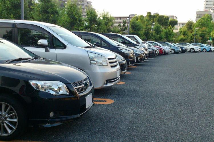人気 の ない 駐 車場